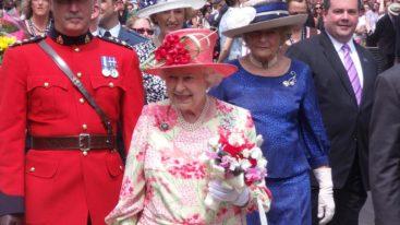 La Reine d'Angleterre dit non à la fourrure !